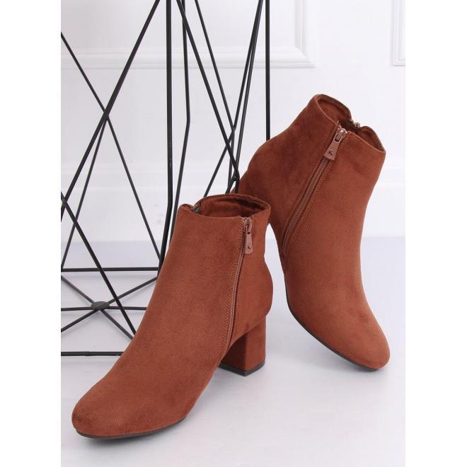 Hnedé semišové čižmy na stabilnom opätku pre dámy