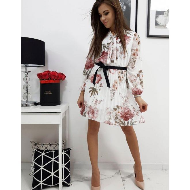 Biele plisované šaty s kvetmi pre dámy