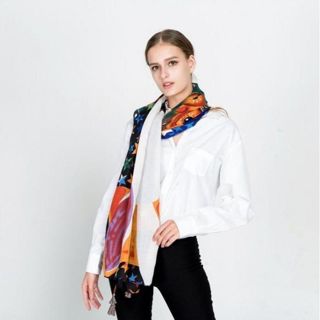Farebná šatka s potlačou pre dámy