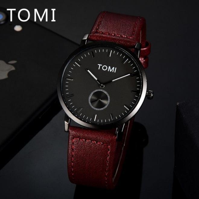 Hnedé módne hodinky Tomi s čiernym ciferníkom pre pánov