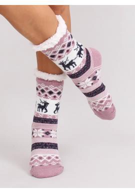 Fialové ponožkové papuče so zimným motívom pre dámy