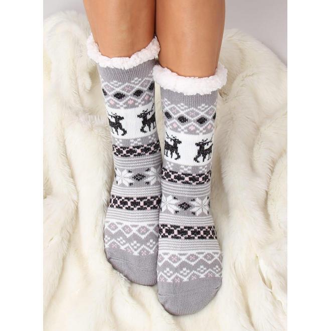 Ponožkové dámske papuče sivej farby so zimným motívom