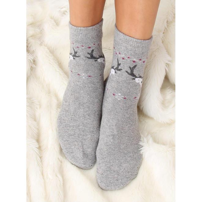 Teplé dámske ponožky svetlosivej farby so sobmi