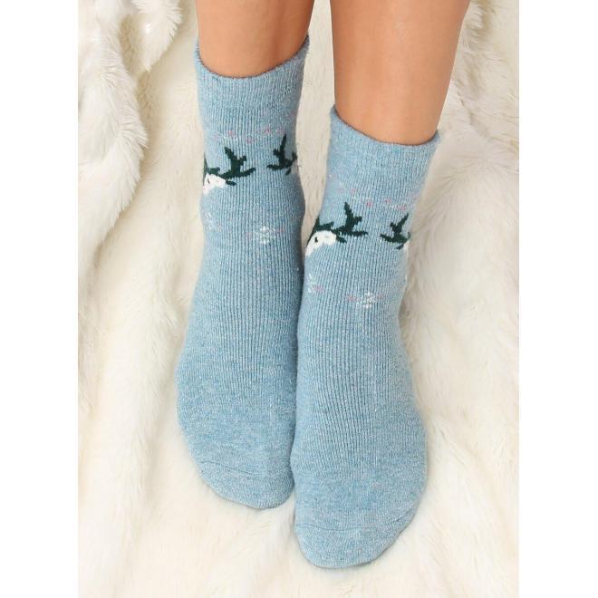 Dámske teplé ponožky so sobmi v svetlomodrej farbe