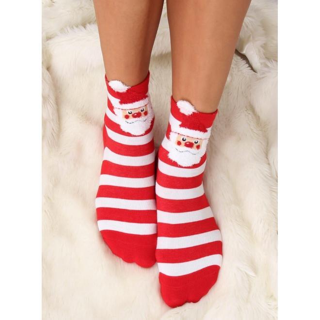 Štýlové dámske ponožky červenej farby s vianočným motívom