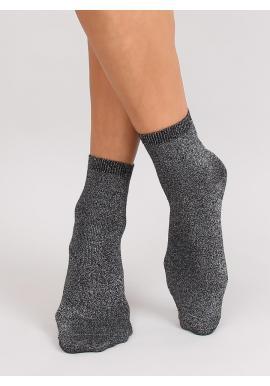 Dámske trblietavé ponožky v čiernej farbe