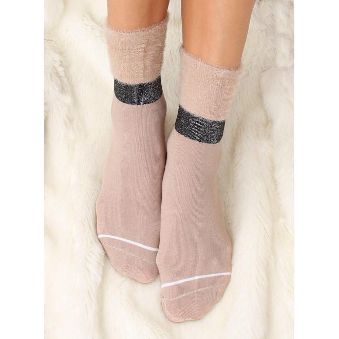 Béžové módne ponožky s kožušinou pre dámy