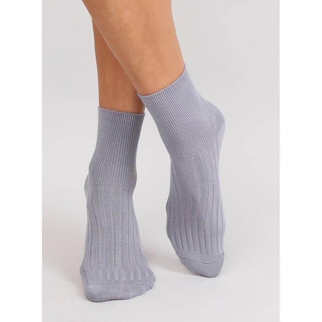 Hladké dámske ponožky sivej farby