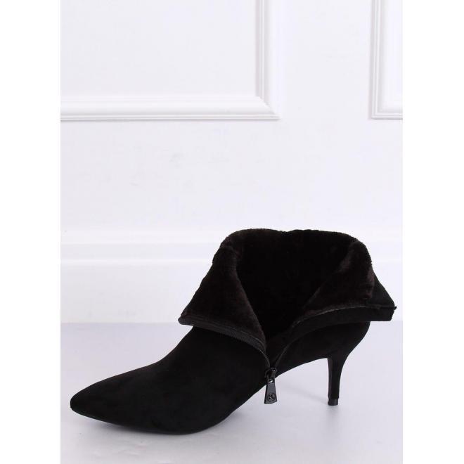 Čierne elegantné topánky na nízkom podpätku pre dámy