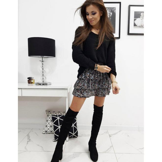 Čierny klasický sveter s výstrihom v tvare V pre dámy