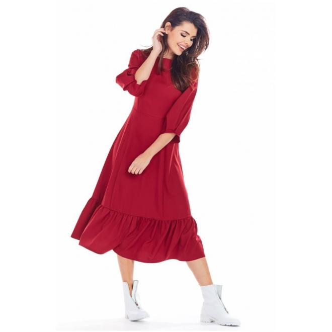 Dlhé dámske šaty bordovej farby s volánom