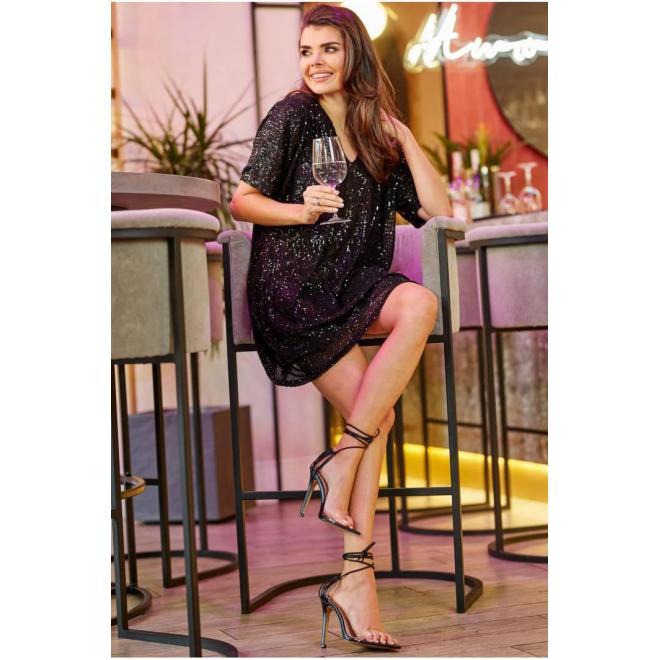 Čierne voľné šaty s flitrami pre dámy