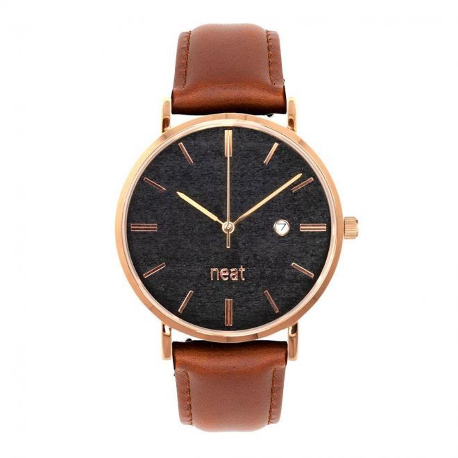 Štýlové pánske hodinky hnedo-čiernej farby s koženým remienkom