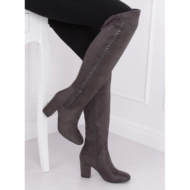 Dámske semišové čižmy nad kolená na podpätku v sivej farbe
