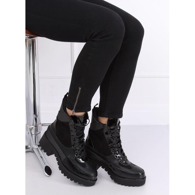Čierne štýlové topánky na vysokej podrážke pre dámy
