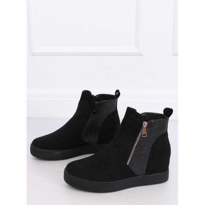 Štýlové dámske topánky čiernej farby na skrytom opätku