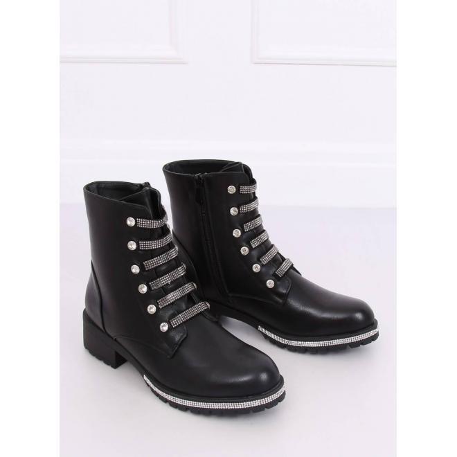 Dámske zdobené topánky v čiernej farbe