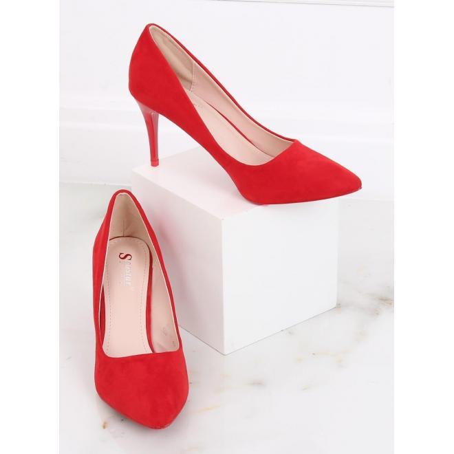 Semišové dámske lodičky červenej farby na štíhlom podpätku