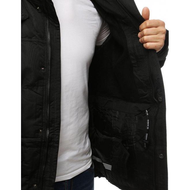 Zimná pánska bunda čiernej farby s odopínacou kapucňou