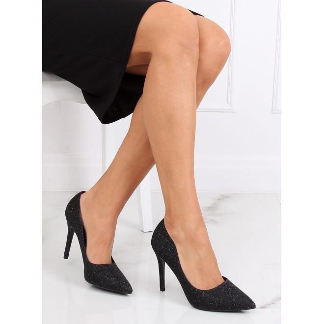 Trblietavé dámske lodičky čiernej farby na štíhlom podpätku