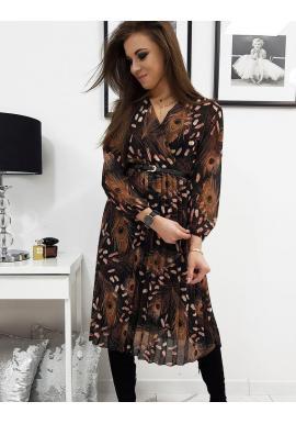 Plisované dámske šaty čiernej farby s obálkovým výstrihom