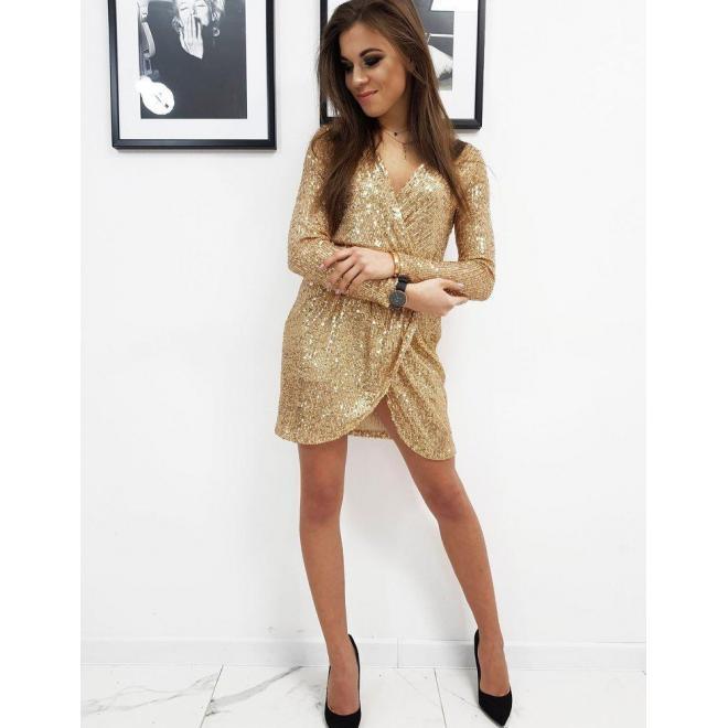 Flitrové dámske šaty zlatej farby s obálkovým výstrihom