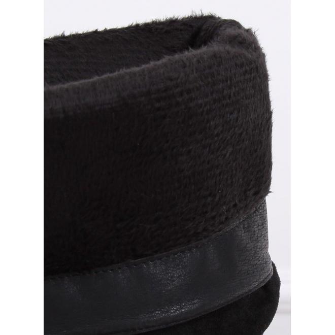 Dámske semišové čižmy na nízkom podpätku v čiernej farbe
