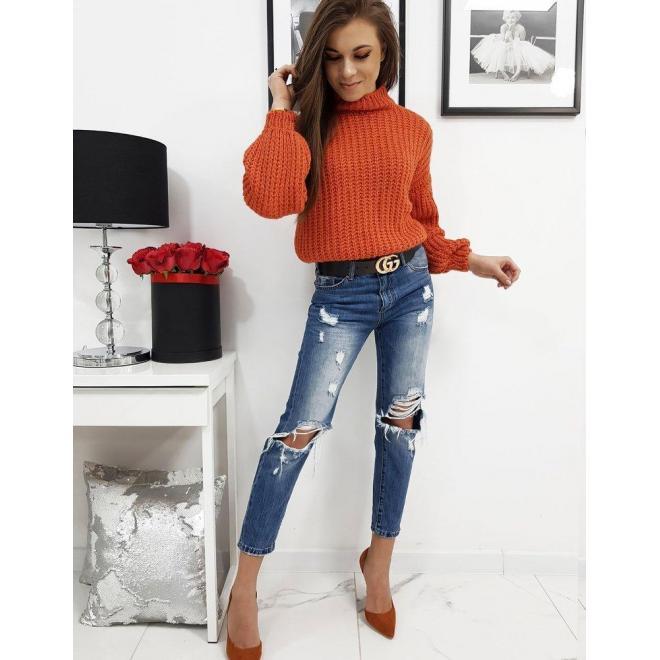 Módny dámsky sveter oranžovej farby s polrolákom