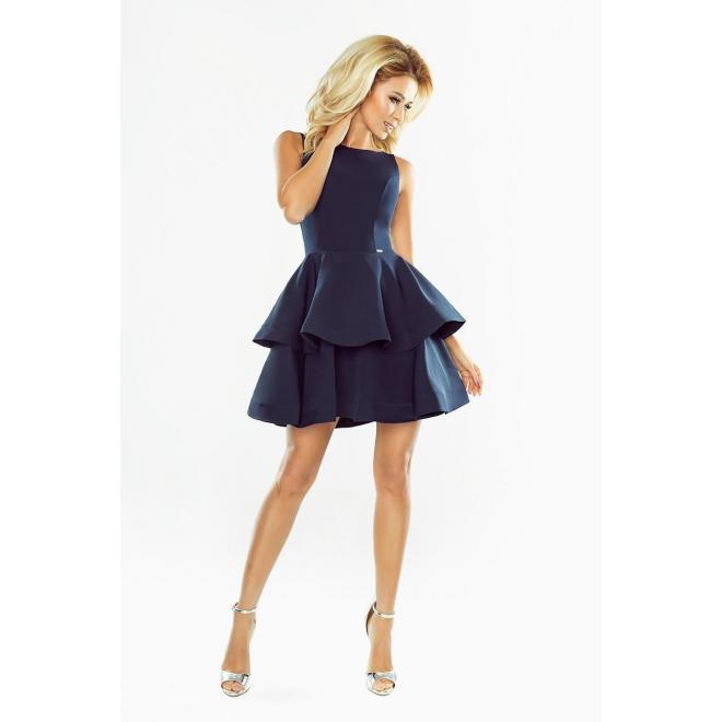 Rozšírené dámske šaty tmavomodrej farby s volánmi