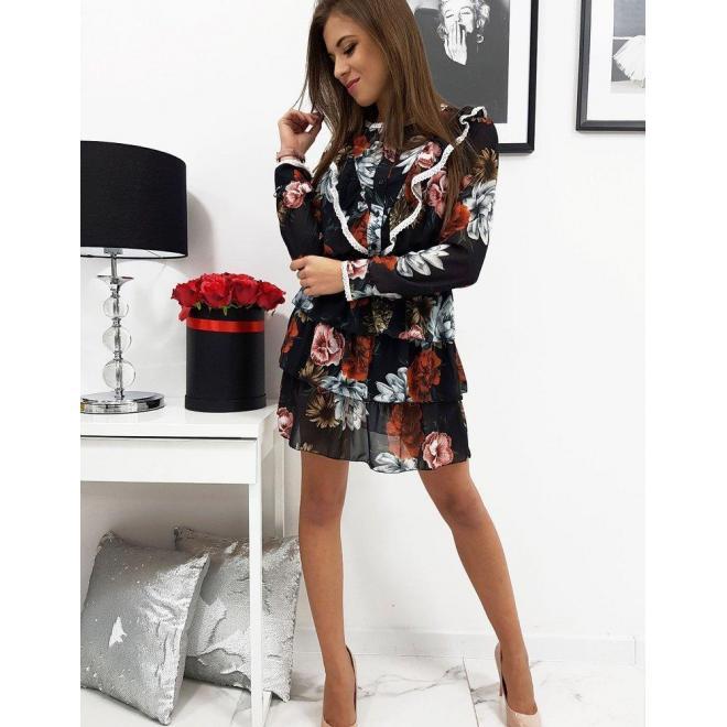 Kvetované dámske šaty čiernej farby s volánmi