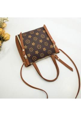 Dámska módna kabelka so vzorom v hnedej farbe