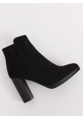 Členkové dámske čižmy čiernej farby na stabilnom podpätku