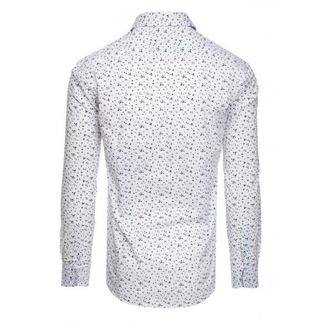 Vzorovaná pánska košeľa bielej farby s dlhým rukávom