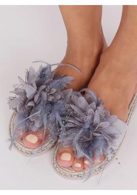 Zdobené dámske šľapky sivej farby s pierkami