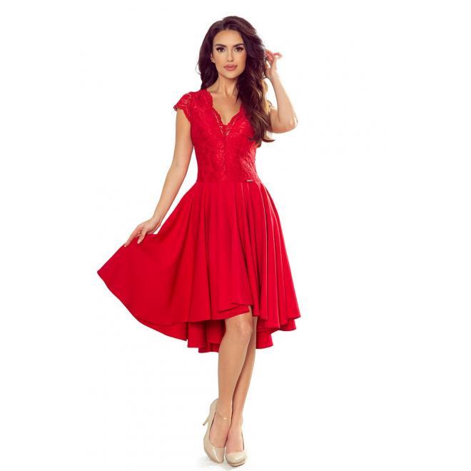 Exkluzívne dámske šaty červenej farby s čipkovaným výstrihom