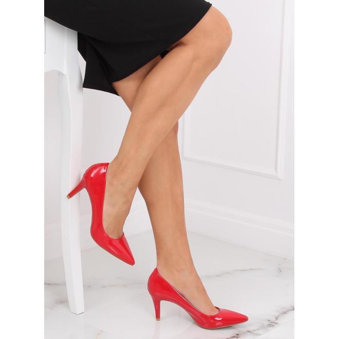 Červené lakované lodičky na stabilnom podpätku pre dámy
