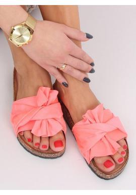 Dámske semišové šľapky s korkovou podrážkou v ružovej farbe