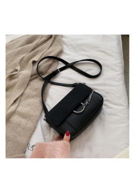 Čierna štýlová kabelka s ozdobnou retiazkou pre dámy