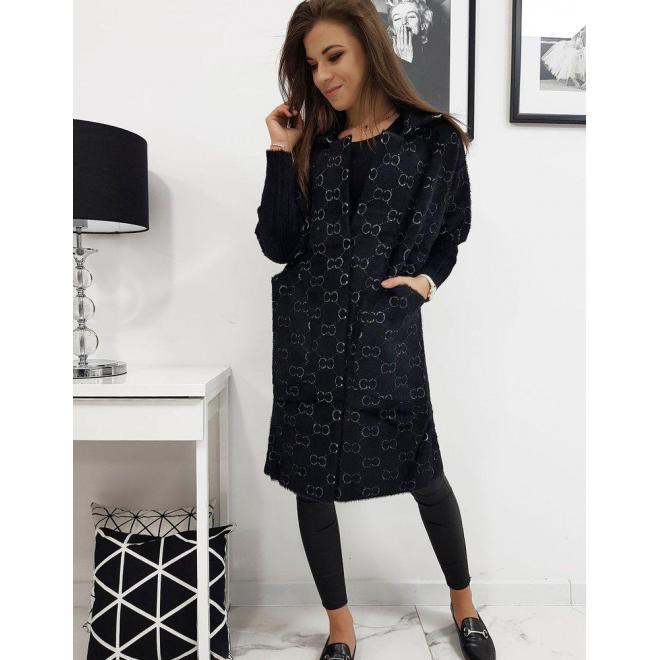 Módny dámsky kabát čiernej farby so vzorom