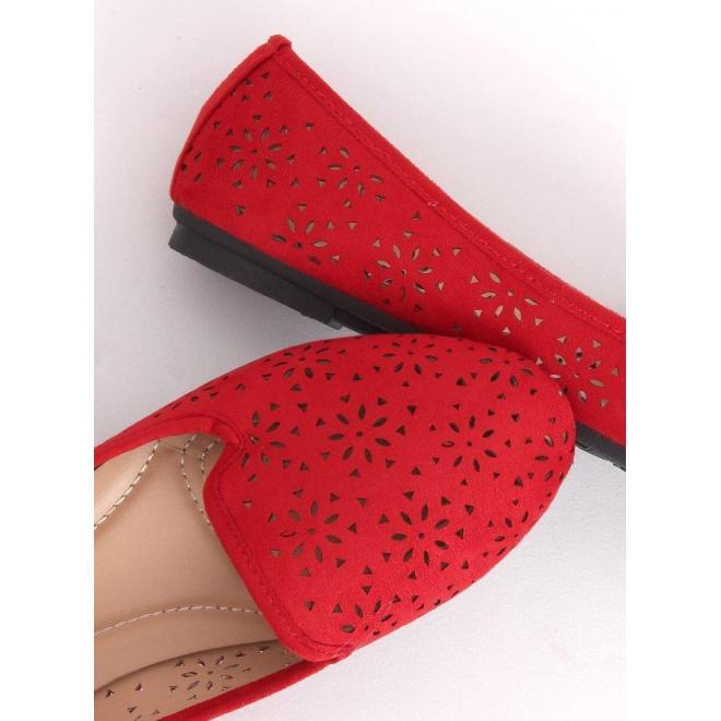 Červené semišové mokasíny s ažúrovým vzorom pre dámy