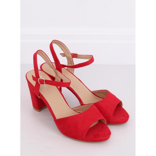 Semišové dámske sandále červenej farby na stablinom podpätku