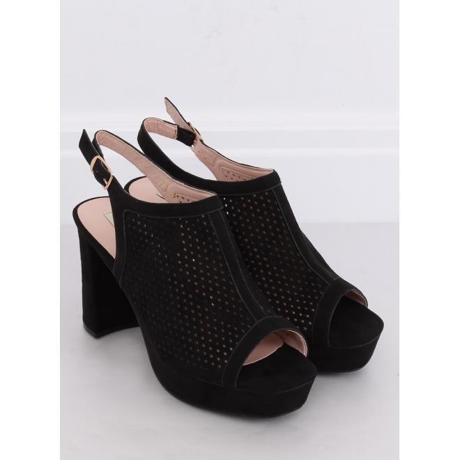 Dámske ažúrové sandále na stabilnom podpätku v čiernej farbe