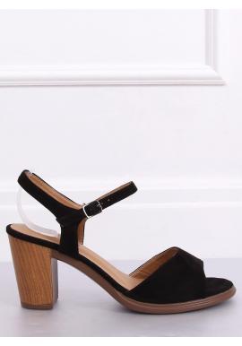 Semišové dámske sandále čiernej farby na drevenom podpätku