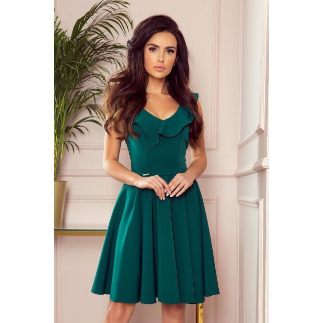 Rozšírené dámske šaty zelenej farby s volánmi na výstrihu
