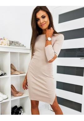 Módne dámske šaty béžovej farby s výrezmi na rukávoch