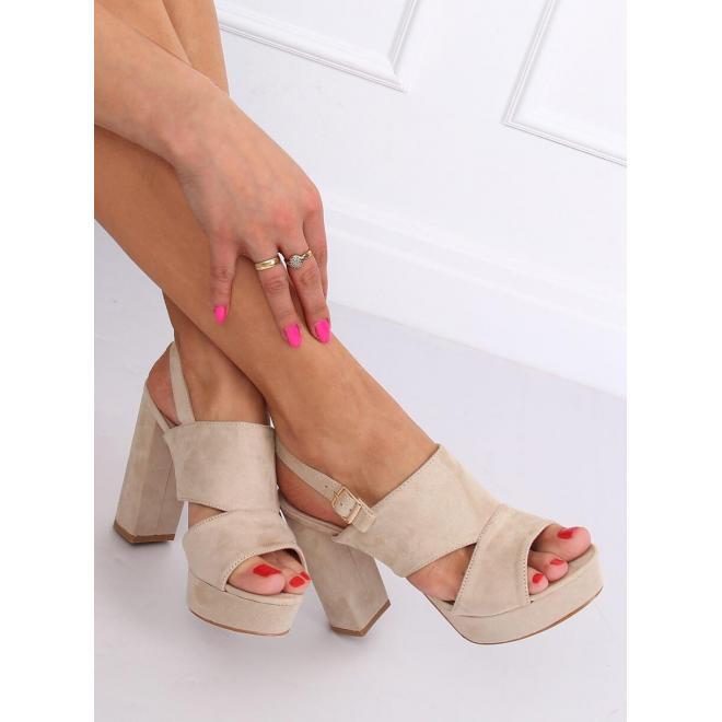 Semišové dámske sandále béžovej farby na podpätku