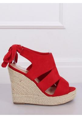 Dámske semišové sandále na klinovom podpätku v červenej farbe
