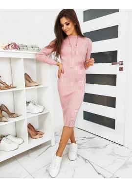 Dámske svetrové šaty s dlhým rukávom v ružovej farbe