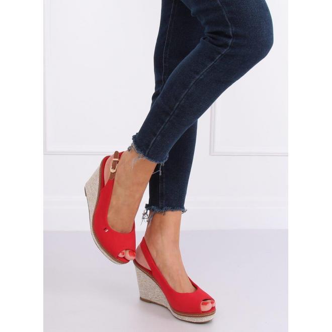 Červené plátené sandále s klinovým podpätkom pre dámy