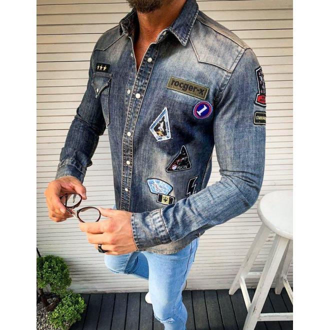 Pánska rifľová košeľa s nášivkami v modrej farbe